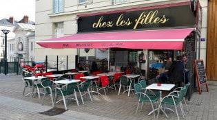 Chez les filles - La façade du restaurant