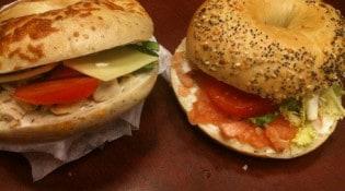 Coffee Shop - Le bagel poulet rôti et saumon aneth