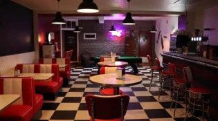 Drink & Diner - La salle de restauration