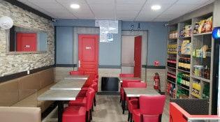 Kebab cinq etoiles - La salle de restauration