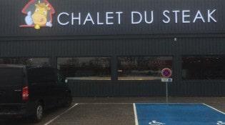 Chalet du Steak - La façade du restaurant