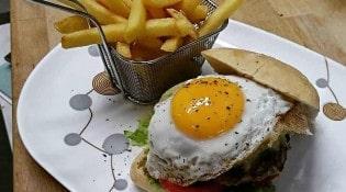 L'hémisphère - Un burger, frites
