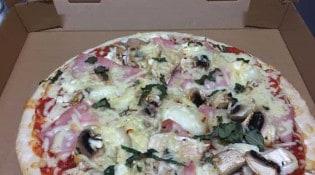 Le Puy d'Alou - Une pizza