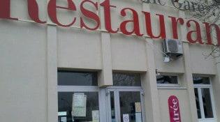 Au marché-gare - La façade du restaurant