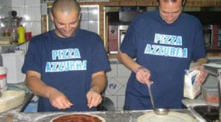 Azzurra Express - La préparation des pizzas