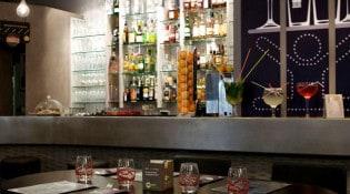 Les Arcades SMLXL - Le bar