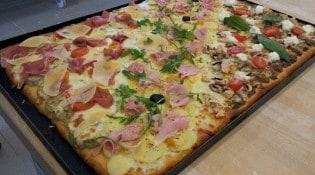 Pizzeria Graffagnino - Les plaques pizzas à base de champinions, tomates...